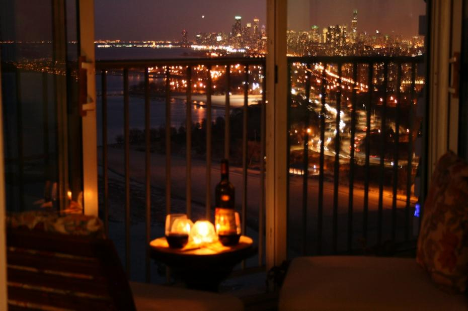 Balconies a chicago skyrise home east point condo 41b for Balcony at night